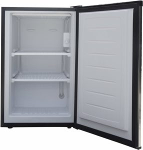Magic Chef MCUF3S2 3.0 cu. ft. Upright Freezer